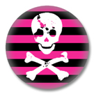 Button im Emo Style | Skull and Bones Pink
